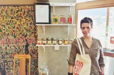 Prateleira Local no Gaia Café